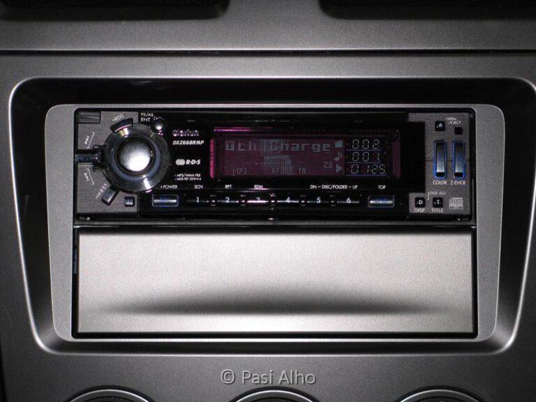 Subaru Impreza 2.0R AWD MY06 Radio